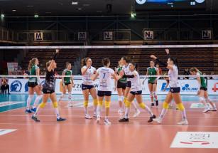 Wygrywamy pierwszego seta z Volley Wrocław Developres SkyRes Rzeszów